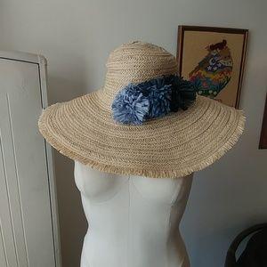 NWT wide floppy straw hat with pom poms